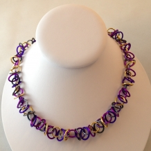 Overtone necklace in Purple mix